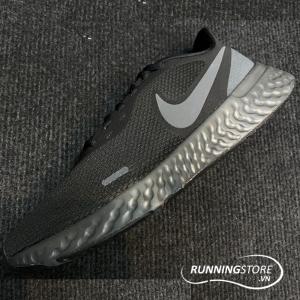 Giày Nike Revolution 5- Core Black/ Dark Grey BQ3204-001